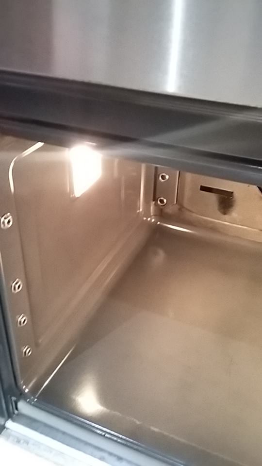 Oven inside - after cleaning services